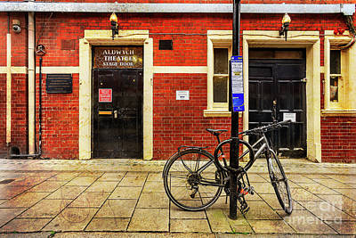 Photograph - Aldwych Theatre Bicycle by Craig J Satterlee