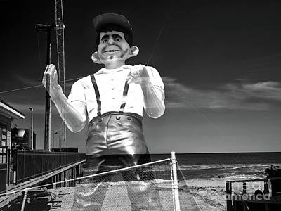 Photograph - Alfred E Neuman At Seaside Heights  by John Rizzuto