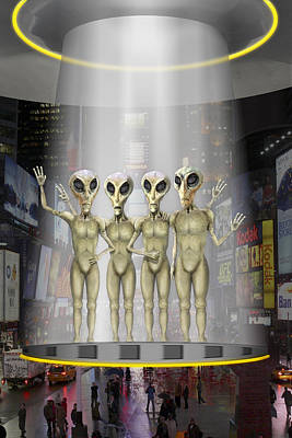 Alien Vacation - Beamed Up From Time Square Art Print by Mike McGlothlen