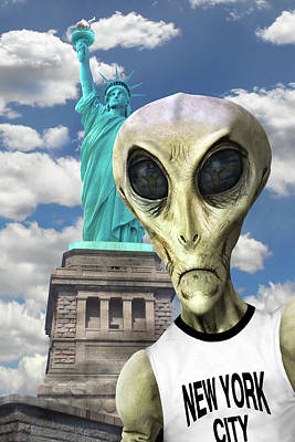 Statue Of Liberty Digital Art - Alien Vacation - New York City 3 by Mike McGlothlen