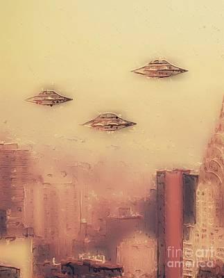 Science Fiction Paintings - Aliens in New York by Raphael Terra