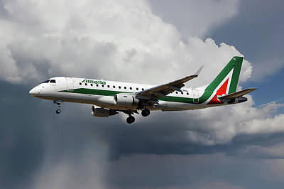Milan Wall Art - Photograph - Alitalia Embraer Erj-175std by Smart Aviation