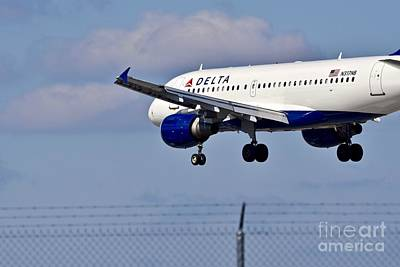 Bringing The Outdoors In - All cleared to land by JL Images