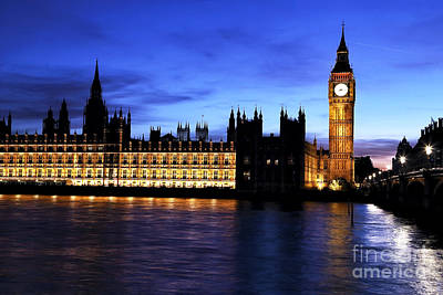 Photograph - All Quiet On The Thames by John Rizzuto