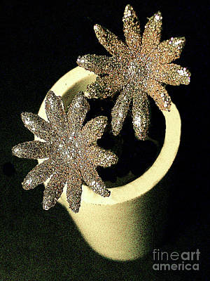 Photograph - All That Glitters... by Merton Allen
