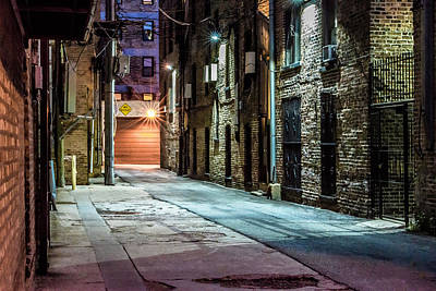 Photograph - Alley On Broadway And Patterson In Chicago Dsc3361 by Raymond Kunst