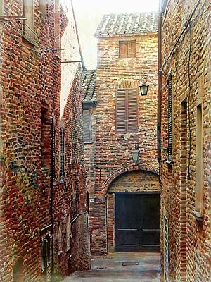 Alley View 1 Citta Della Pieve, Umbria Art Print by Dorothy Berry-Lound