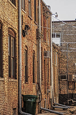 Photograph - Alley Woodstock Illinois by Roger Passman