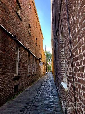 Photograph - Alleyway by Flavia Westerwelle