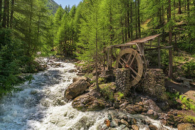 Photograph - Alpine Waterwheel by James Billings