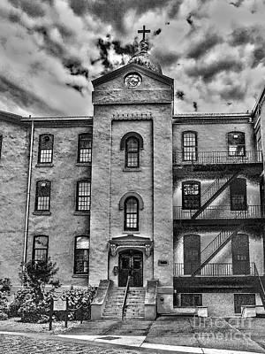 Photograph - Alumni Hall by William Norton
