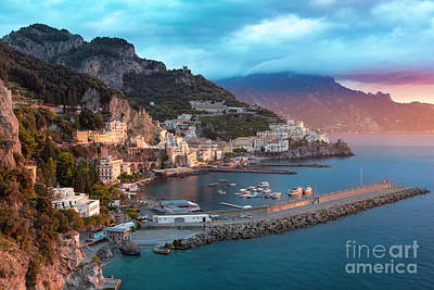 Amalfi Sunrise Art Print by Brian Jannsen