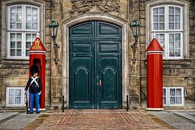 Window Guards Photograph - Amalienborg by Benjamin Matthijs