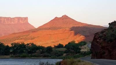 Photograph - America - Red Rock Mountain Ridge by Jeffrey Shaw