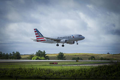 319 Photograph - American Airlines Airbus 319 N9015d by Reid Callaway