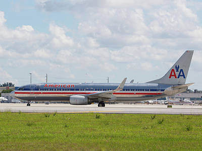Photograph - American Airlines At Mia by Dart and Suze Humeston