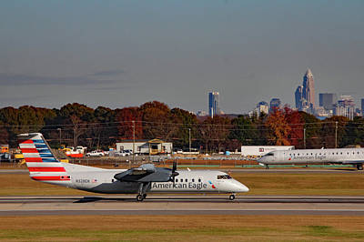 Photograph - American Airlines Dash 8 N328en by Joseph C Hinson Photography