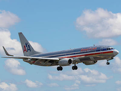 Photograph - American Airlines Lands At Mia by Dart and Suze Humeston