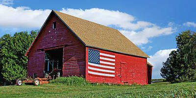 Corn Cribs Photograph - American Barn #2 by Nikolyn McDonald