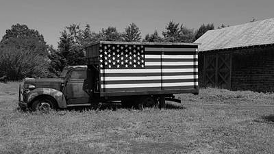 Photograph - Americana Truck B W by Rob Hans