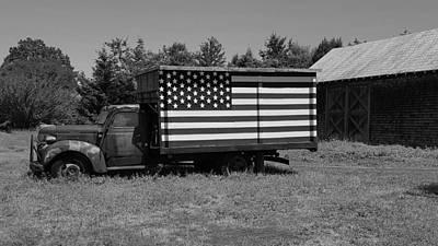 Photograph - Americana Truck B W by Rob Hans