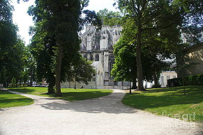 Photograph - Amiens Cathedral - Park View by Therese Alcorn