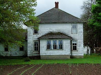 Amish Farms Photograph - Amish Farm House by Michael L Kimble