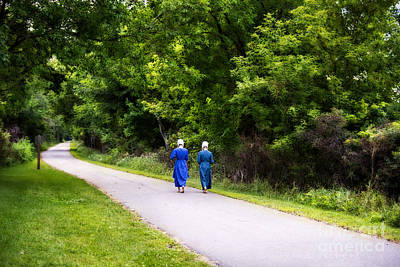Photograph - Amish Girls On The Pumpkinvine Trail by David Arment