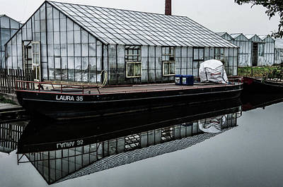 Photograph - Amsterdam Canal Boat-greenhouse by William Kimble