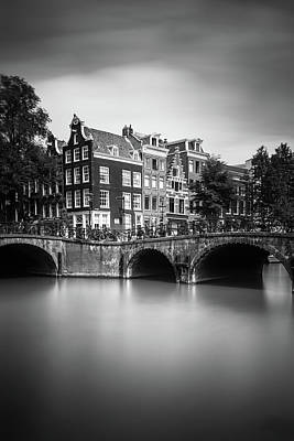 Holland Wall Art - Photograph - Amsterdam, Leliegracht by Ivo Kerssemakers