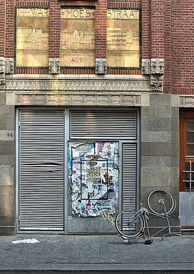 Photograph - Amsterdam Warmoesstraat by Steven Richman