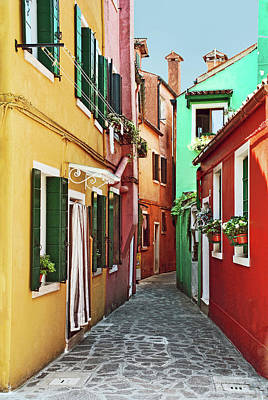 An Alley In Burano Art Print by Elaine Walsh