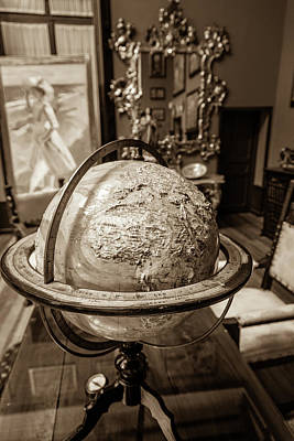 Madrid Wall Art - Photograph - An Artists's Globe by W Chris Fooshee