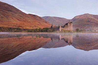 Photograph - An Autumns Dawn At Kilchurn Castle by Stephen Taylor