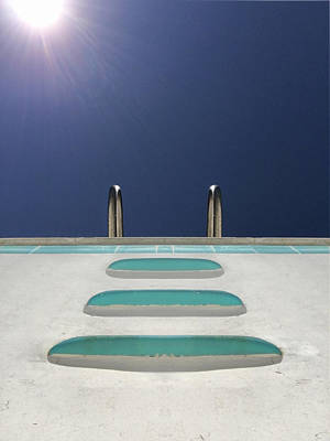 Photograph - An Empty Pool by Stan  Magnan
