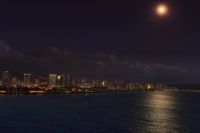 Photograph - An Evening In Oahu by Linda Tiepelman