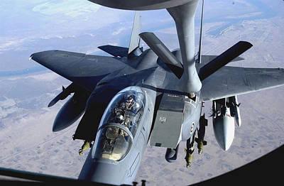An F-15e Strike Eagle Refuels Over Iraq Art Print by Stocktrek Images