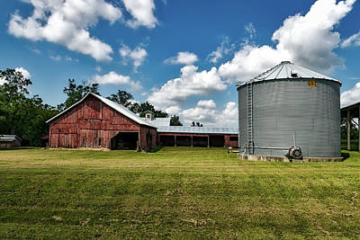 Iowa Farm Photograph - An Iowa Farm by Mountain Dreams