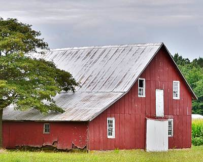Photograph - An Old Red Barn by Kim Bemis