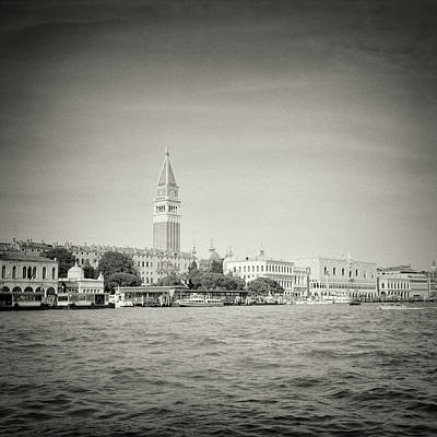 Analog Photograph - Analog Black And White Photography - Venice by Alexander Voss