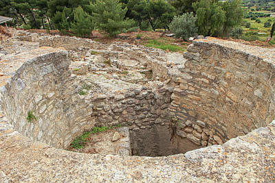 Photograph - Ancent Treasure Vaults For Minoan Kings by Patricia Hofmeester