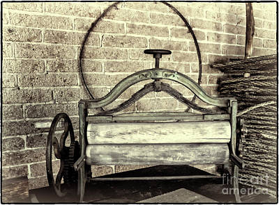 Digital Art - Ancient Wringer Washer by Georgianne Giese