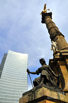 Photograph - Angel Of Independence 2 by Andrew Dinh