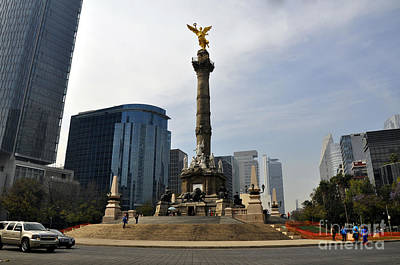 Photograph - Angel Of Independence by Andrew Dinh