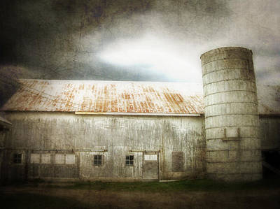 Photograph - Angustown Barn by Cynthia Lassiter