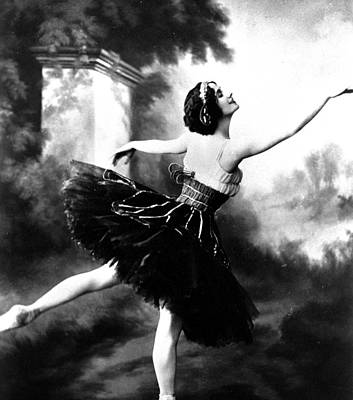 Ballet Dancers Photograph - Anna Pavlova by French School