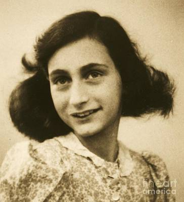 Photograph - Anne Frank by Roberto Prusso