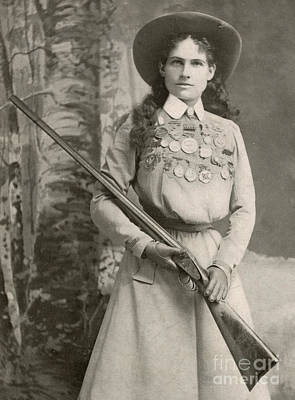 Old West Photograph - Annie Oakley With A Rifle, 1899 by Richard Kyle Fox