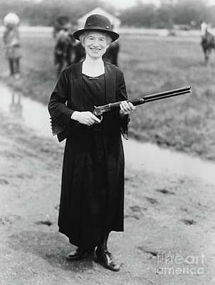 Sharpshooter Photograph - Annie Oakley With The Gun Buffalo Bill Gave Her, 1922 by American School