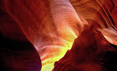 Photograph - Antelope Canyon Perspective by Art Cole